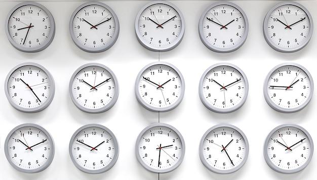 Zegar odizolowywający na białym tle