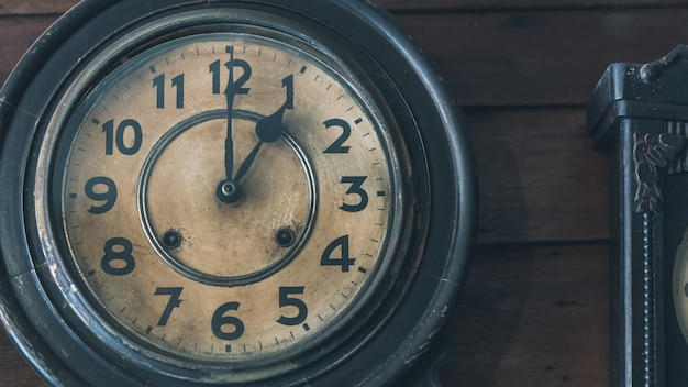 Zegar ścienny ozdobny vintage