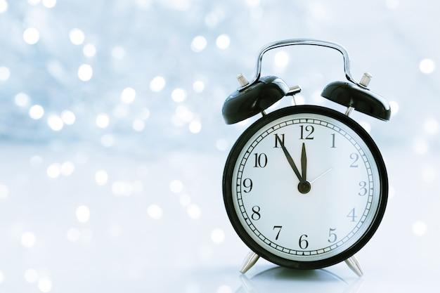 Zegar z bożym narodzeniem dla zmiany czasu w zimie