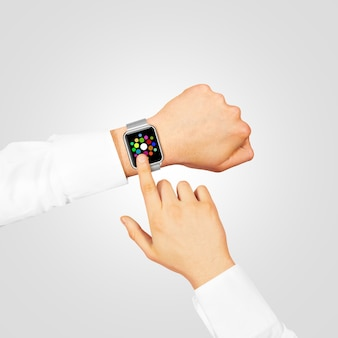 Zegarek ekran menu nosić na dłoni na szarym tle