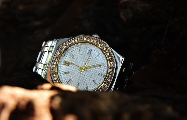 Zegarek na rękę luksusowy