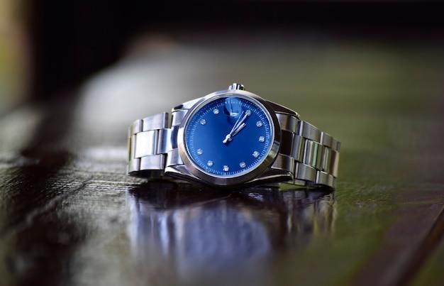 Zegarki luksusowe to zegarek, który był gromadzony od dawna.