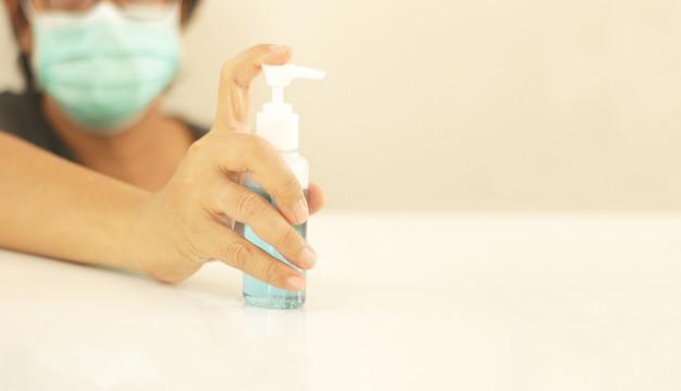 Żel alkoholowy do mycia rąk