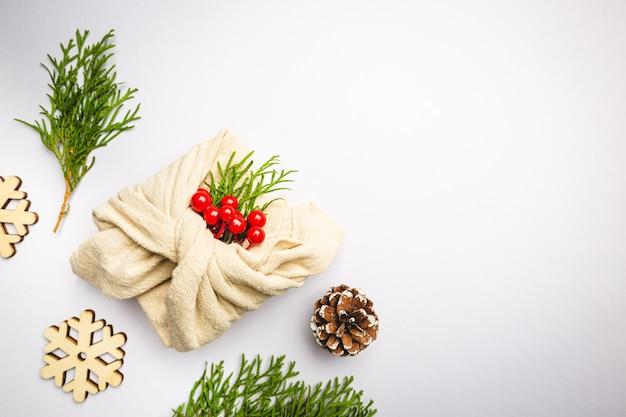 Zero odpadów pakowanie prezentów tradycyjne japońskie opakowanie w stylu furoshiki z tworzywa sztucznego, wykonane bezpłatnie ręcznie
