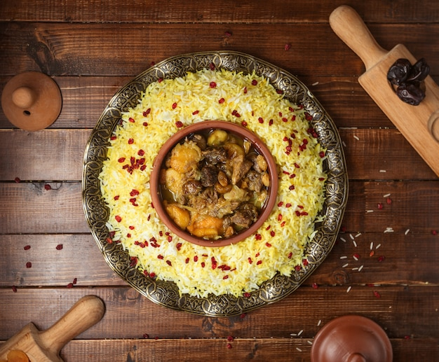 Ð ° zero tradycyjny pilaw z mięsem i kasztanami