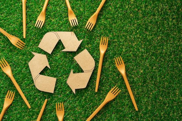 Zero waste jednorazowe widelce do zastawy stołowej na zielono