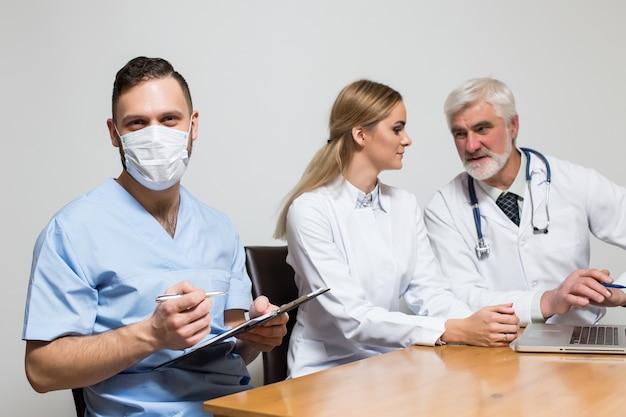Zespół główny zestaw stół szpitalny poziomej