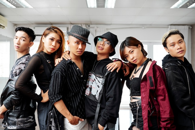 Zespół profesjonalnych tancerzy