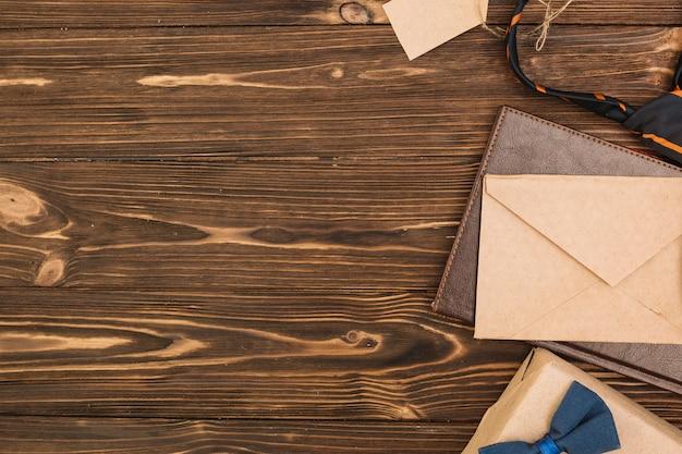 Zestaw akcesoriów listowych i męskich