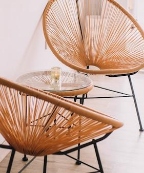 Zestaw designerskich krzeseł do restauracji