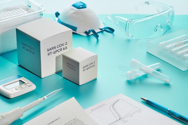 Zestaw diagnostyczny pcr sars-cov-2. jest to zestaw rt-qpcr do odwrotnej transkrypcji i amplifikacji w czasie rzeczywistym fragmentu dna wykrywającego specyficzny region wirusa 2019-ncov, który powoduje zapalenie płuc covid-19.