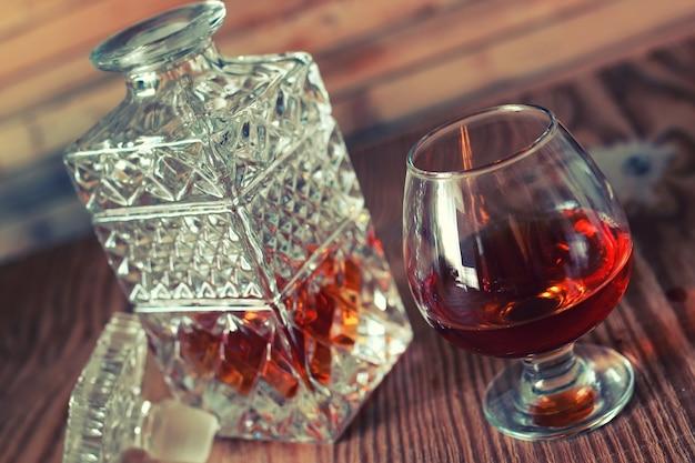 Zestaw do brandy ze szklanką i karafką