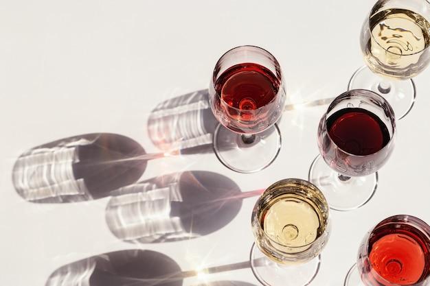 Zestaw do wina w kieliszkach