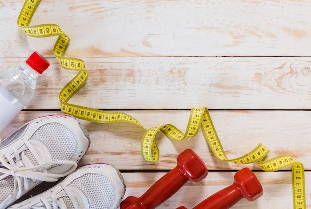 Zestaw do zajęć sportowych na podłodze wyłożonej kafelkami