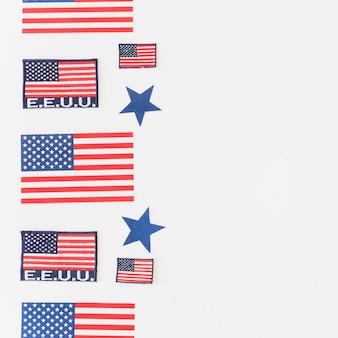 Zestaw flag amerykańskich na jasnym tle