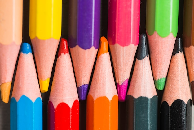 Zestaw jasnych ołówków