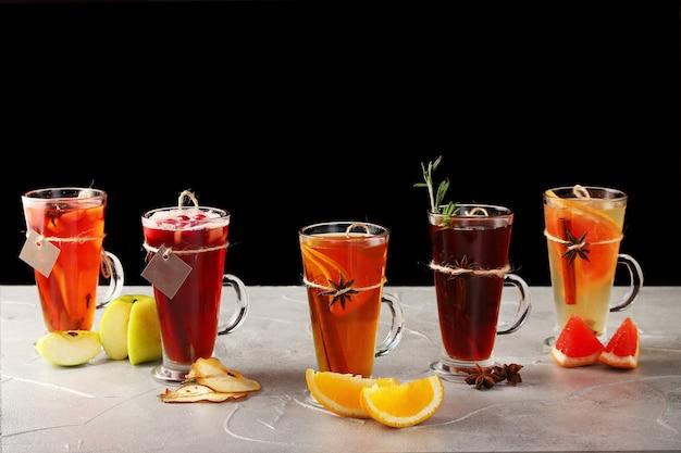 Zestaw jesiennych tradycyjnych napojów