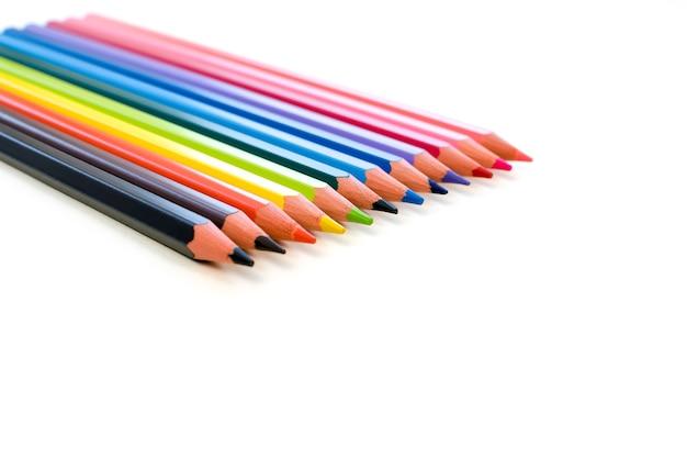 Zestaw kolorowych ołówków wszystkich kolorów tęczy