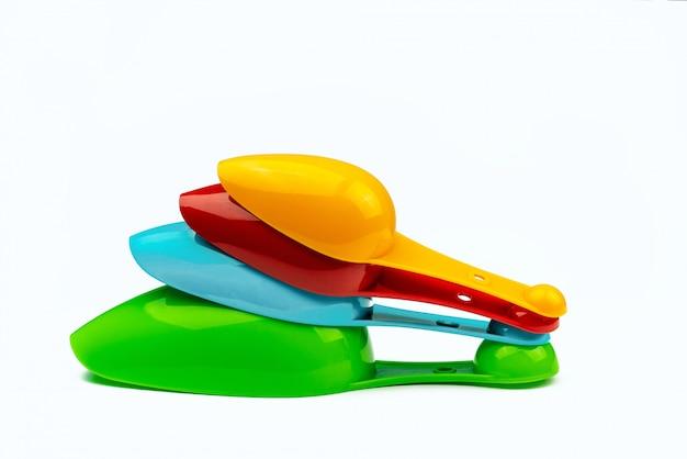 Zestaw kolorowych plastikowych łyżek pomiarowych
