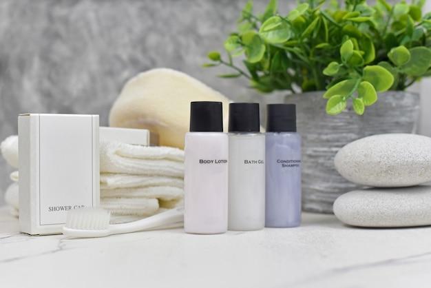 Zestaw kosmetyków łazienkowych do produktów kosmetycznych usług hotelowych
