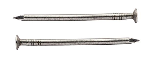 Zestaw metalowy gwóźdź na białym tle. plik zawiera ścieżkę przycinającą, dzięki czemu jest łatwa w obróbce.