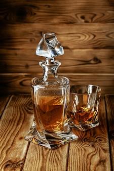 Zestaw mocnych duchów. twarde napoje alkoholowe w szklankach