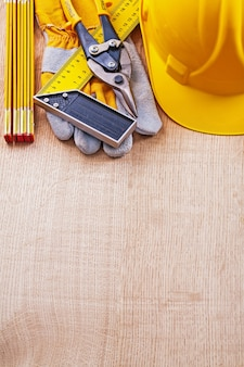 Zestaw narzędzi budowlanych