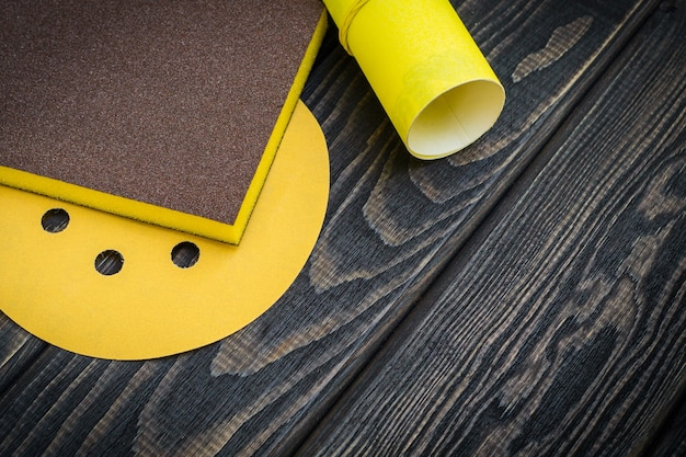 Zestaw narzędzi ściernych i papieru ściernego kreator służy do szlifowania przedmiotów
