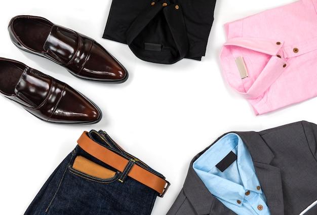 Zestaw odzieży męskiej i akcesoria, widok z góry