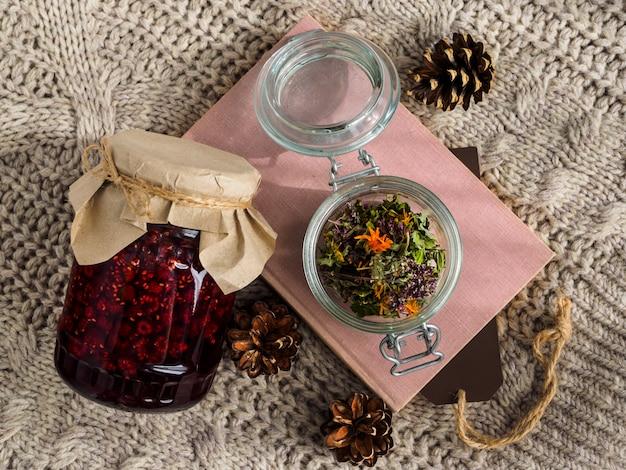 Zestaw przydatnych składników do leczenia metodami ludowymi.