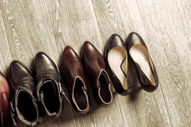 Zestaw różnych butów