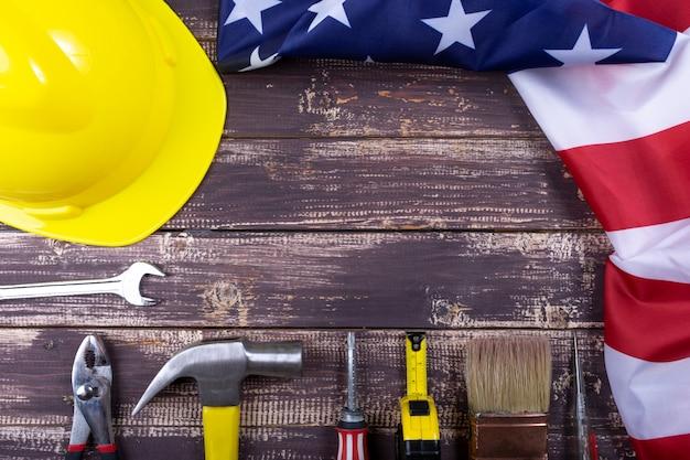 Zestaw różnych narzędzi do drewna