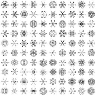 Zestaw różnych stu płatków śniegu na białym tle na białym tle.