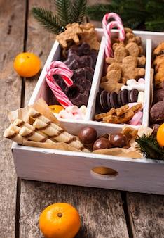 Zestaw różnych świątecznych ciasteczek