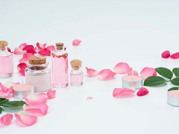 Zestaw spa olejku różanego i świec zapachowych
