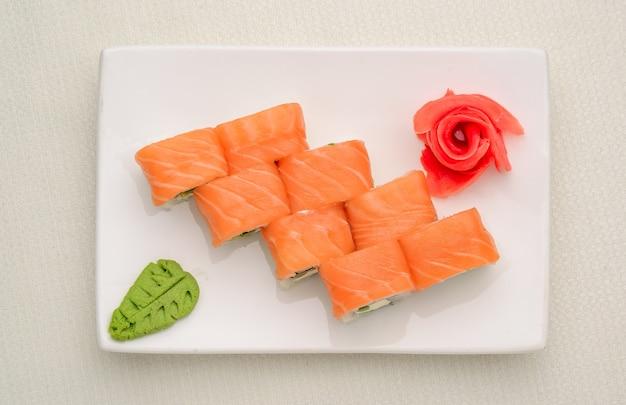 Zestaw sushi, japońskie jedzenie