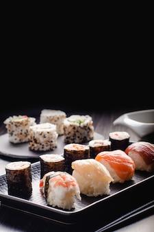 Zestaw sushi żywności z miejsca kopiowania