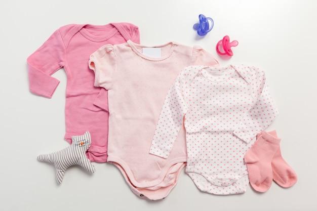 Zestaw ubrań i przedmiotów dla dziecka