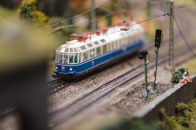 Zestaw zabawek z pociągiem