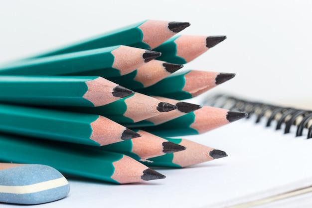 Zeszyty i ołówek