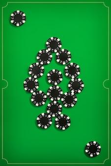 Żetony do pokera na zielonej ścianie
