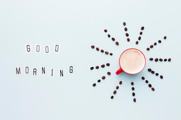 Ziarna kawy kształtują kształt słońca