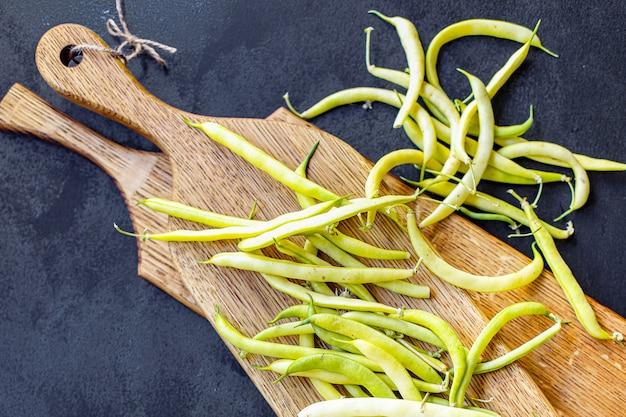 Zielona fasola składnik roślin strączkowych koloru żółtego