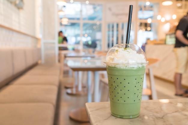 Zielona herbata frappe