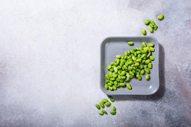 Zielona świeża soja