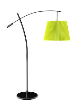 Zielona zbalansowana lampa podłogowa na białym tle