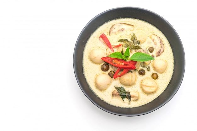 Zielone curry z rybią kulką