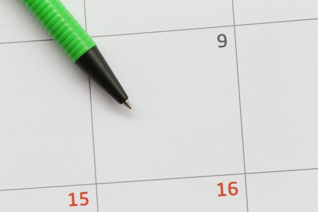 Zielone pióro jest umieszczane w kalendarzu w 9. dniu i ma miejsce na kopię.