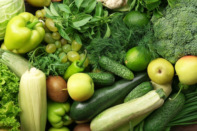 Zielone tło owoców i warzyw