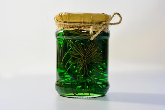 Zielony dżem w szklanym słoju